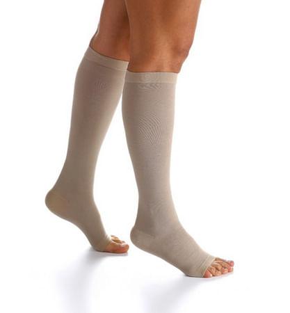 c961a4d4ae Pode haver tipos diferentes de meias que se adaptem melhor às suas pernas.  Não deixe de usar suas meias sem comunicar seu médico.