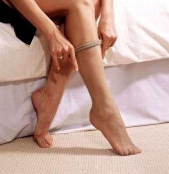 a9dc4ea827 Sempre começando no joelho em direção à virilha. Nos casos de celulite mais  grave